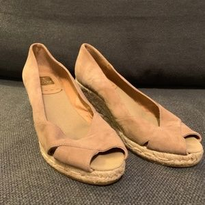 Tan suede wedge espadrilles by Kanna